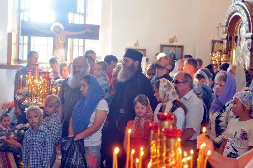 300 фото с храмового праздника Преображение Господне Спасо-Преображенского скита Ионинского монастыря 152