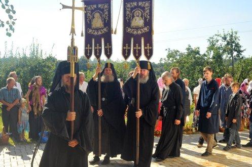 300 фото с храмового праздника Преображение Господне Спасо-Преображенского скита Ионинского монастыря 194