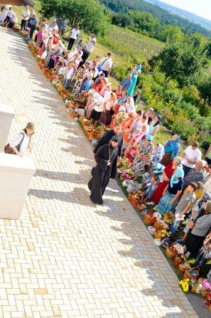 300 фото с храмового праздника Преображение Господне Спасо-Преображенского скита Ионинского монастыря 251