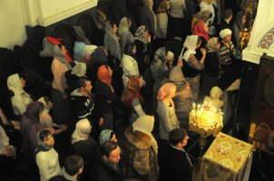 Несколько фотографий с Рождественской службы из Свято-Троицкого Китаевского мужского монастыря. 2