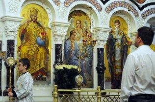 Несколько фотографий с Рождественской службы из Свято-Троицкого Китаевского мужского монастыря. 37