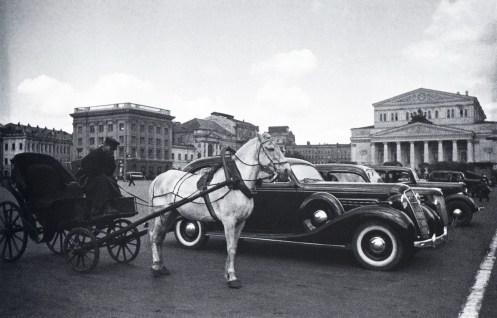 Знаменитый фотограф. «Была коптилка да свеча — теперь лампа Ильича». 95 лет назад. 69