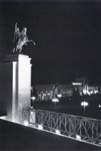 Знаменитый фотограф. «Была коптилка да свеча — теперь лампа Ильича». 95 лет назад. 80