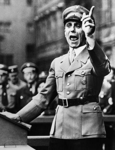 Беги Вася, беги! Размышления на тему как жить дальше... Лени Рифеншталь - любимый режиссёр и любимая женщина Адольфа Гитлера 10