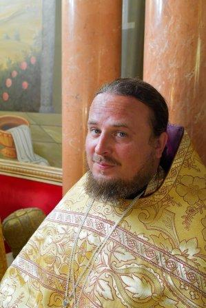 consecration_bishop_cassian_0102