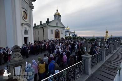 easter_procession_ukraine_pochaev_0017