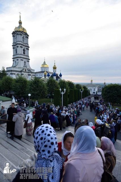 easter_procession_ukraine_pochaev_0020