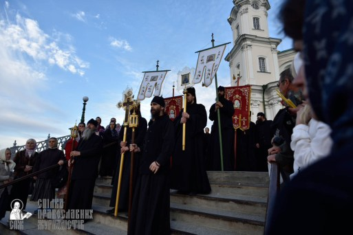 easter_procession_ukraine_pochaev_0030