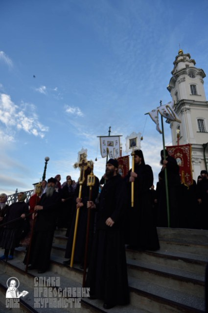 easter_procession_ukraine_pochaev_0032