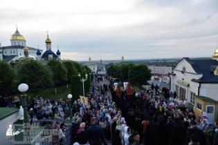 easter_procession_ukraine_pochaev_0034
