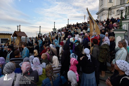 easter_procession_ukraine_pochaev_0047