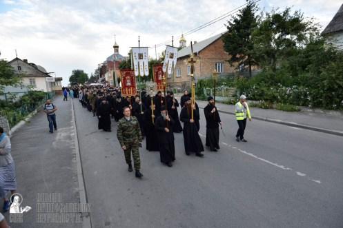 easter_procession_ukraine_pochaev_0066