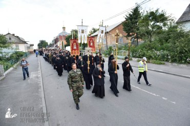 easter_procession_ukraine_pochaev_0067