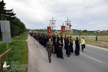 easter_procession_ukraine_pochaev_0117