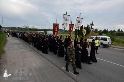 easter_procession_ukraine_pochaev_0129