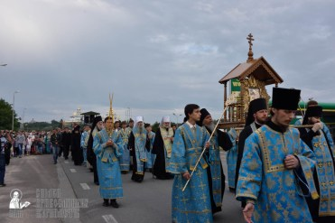 easter_procession_ukraine_pochaev_0139