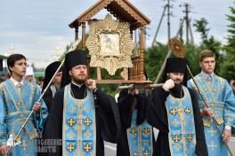 easter_procession_ukraine_pochaev_0149