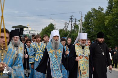 easter_procession_ukraine_pochaev_0154