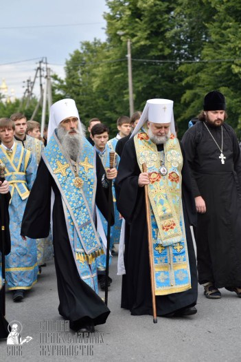 easter_procession_ukraine_pochaev_0156