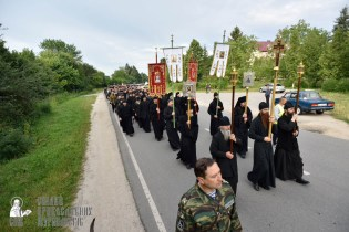 easter_procession_ukraine_pochaev_0172