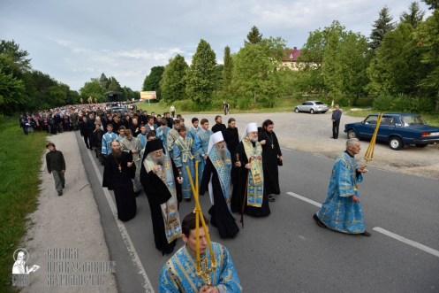 easter_procession_ukraine_pochaev_0182