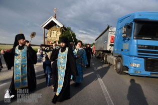 easter_procession_ukraine_pochaev_0208