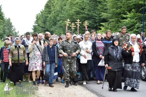 easter_procession_ukraine_pochaev_0216