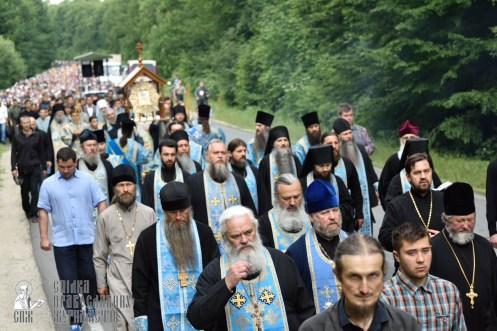 easter_procession_ukraine_pochaev_0224