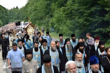 easter_procession_ukraine_pochaev_0225