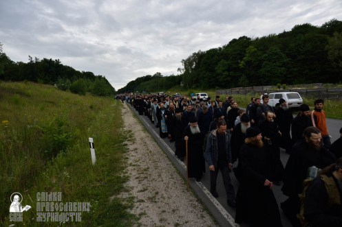 easter_procession_ukraine_pochaev_0237