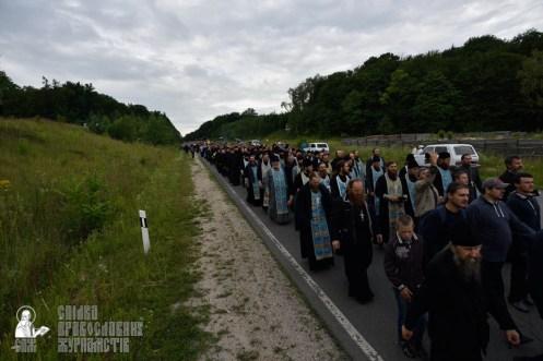 easter_procession_ukraine_pochaev_0238