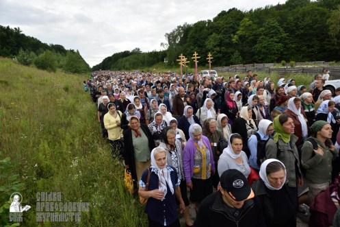 easter_procession_ukraine_pochaev_0248