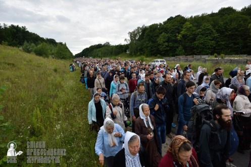 easter_procession_ukraine_pochaev_0260
