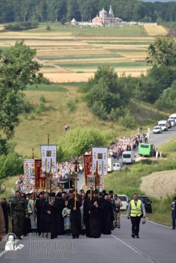 easter_procession_ukraine_pochaev_0292