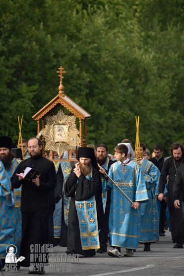 easter_procession_ukraine_pochaev_0297