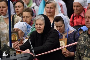 easter_procession_ukraine_pochaev_0324