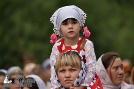 easter_procession_ukraine_pochaev_0331