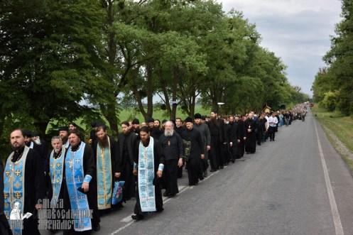 easter_procession_ukraine_pochaev_0348