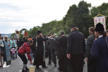 easter_procession_ukraine_pochaev_0355