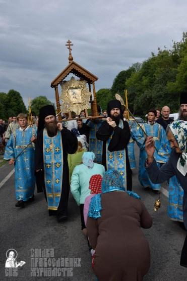 easter_procession_ukraine_pochaev_0364