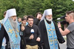 easter_procession_ukraine_pochaev_0367