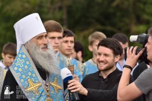 easter_procession_ukraine_pochaev_0373