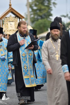 easter_procession_ukraine_pochaev_0384