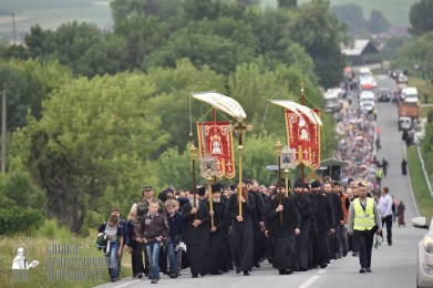 easter_procession_ukraine_pochaev_0395
