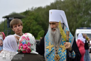 easter_procession_ukraine_pochaev_0413