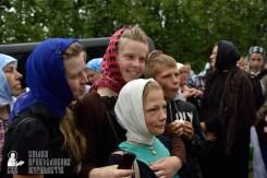 easter_procession_ukraine_pochaev_0416