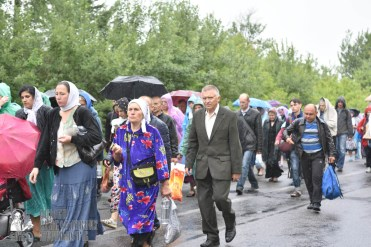 easter_procession_ukraine_pochaev_0423