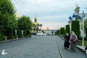 easter_procession_ukraine_pochaev_sr_0010
