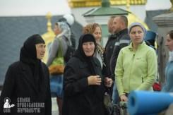 easter_procession_ukraine_pochaev_sr_0017