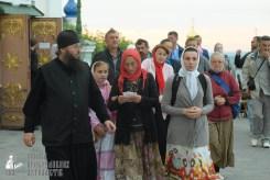 easter_procession_ukraine_pochaev_sr_0019